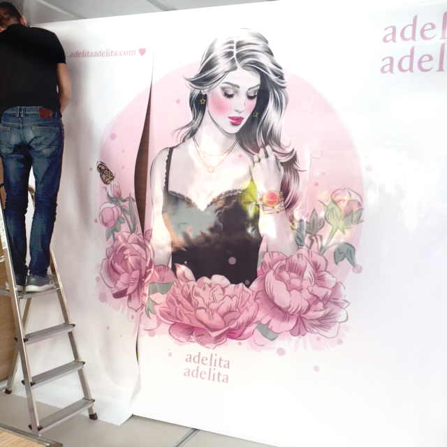 Adelita Adelita Temporary Stand Making-of
